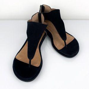 Gentle Souls Women's Greta Toe Thong Sandals